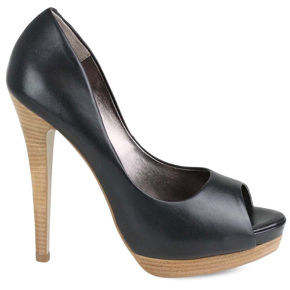 5823e64d55325 Dámske čierne topánky na vysokom opätku Made In | Zlavomat.sk