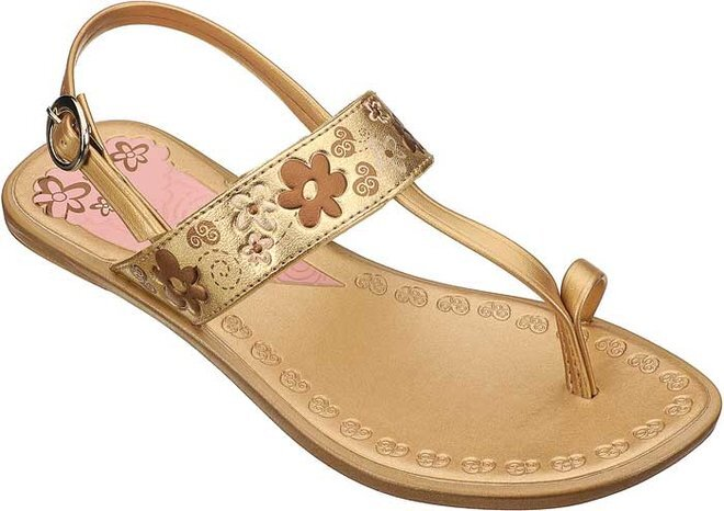 597aa357af1c9 Detské zlaté sandále Grendha s vyrytými kvietkami | Zlavomat.sk