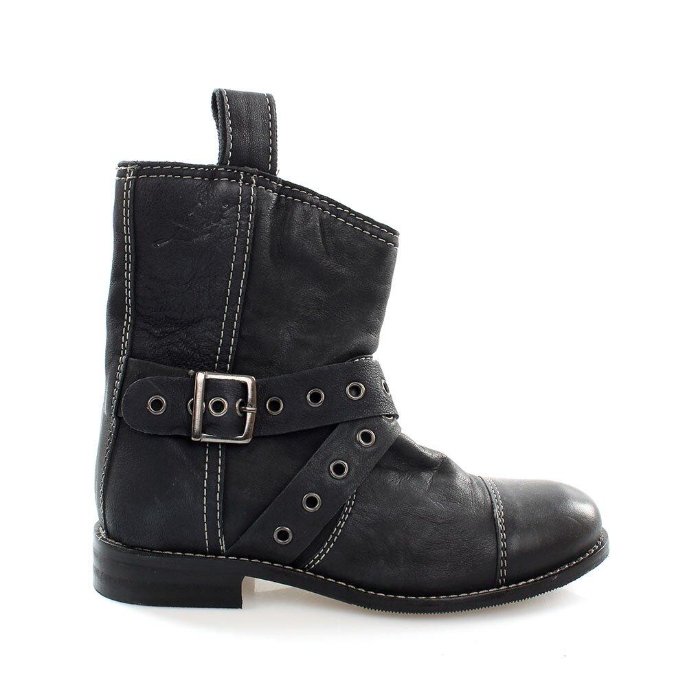 Dámske čierne kožené kovbojské topánky Levis  dbb96762f53
