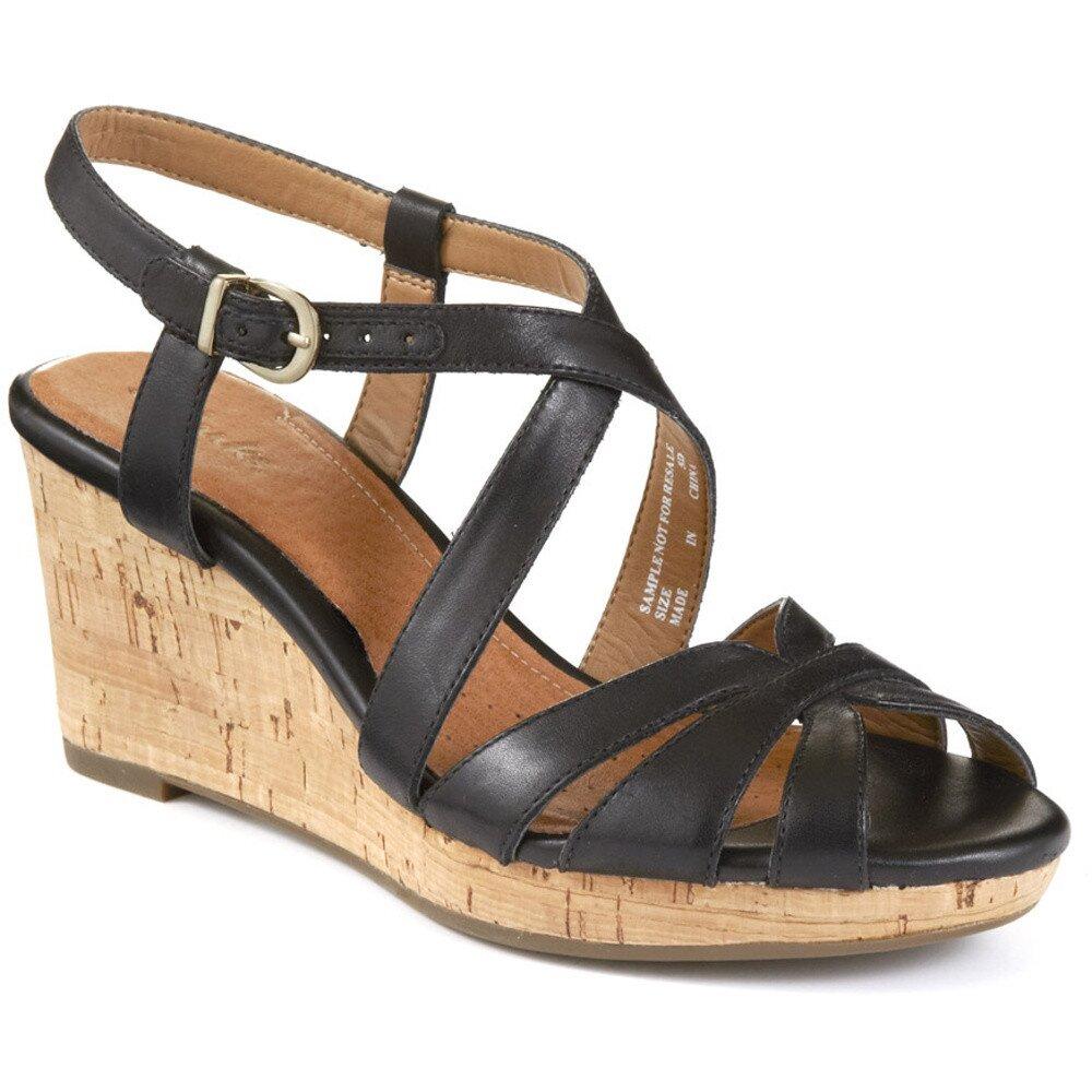 912ce14f76db5 Dámske kožené čierne remienkové sandálky na platforme Clarks   Zlavomat.sk