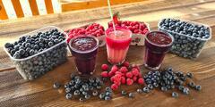 Lahodné čerstvé plody či osviežujúce ovocné smoothies