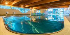 Kúpeľný Relax s wellness, bazénom a procedúrami