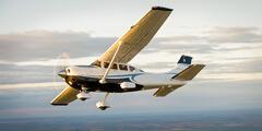Zážitkové lety aj s možnosťou pilotovania na lietadlách Cessna pre 1 až 3 osoby
