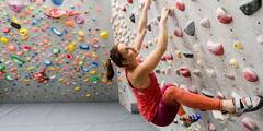 Kurz alebo vstupy na bouldrovú lezeckú stenu