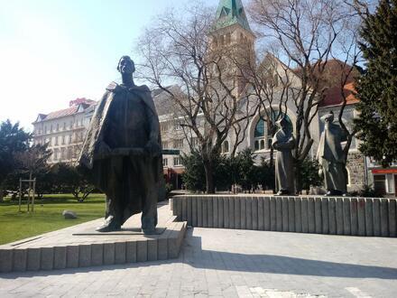 Bratislava, Námestie SNP