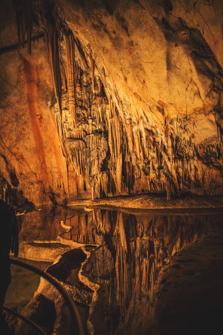 Sintrové štíty a bubny jaskyne Domica sú známe na celom svete.