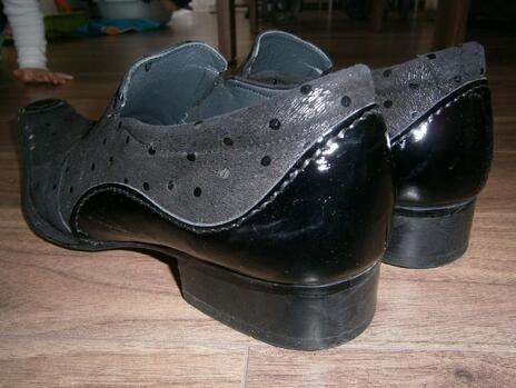 239a42138b Hodnotená ponuka  20 % zľava na obuv v predajniach JOHNC