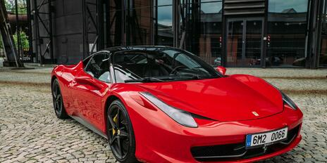 Zitkov jazda na Ferrari 458 ako darek - Platnos 12 mesiacov