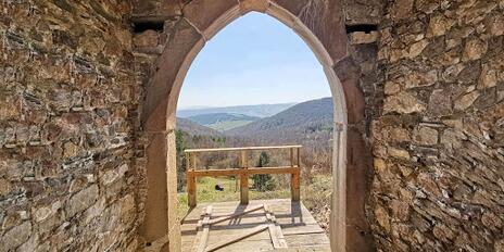 Kam cez víkend? Blogerka radí skrytý Hanigovský hrad!