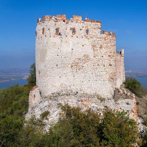 CHKO Pálava – zrúcanina hradu Děvičky