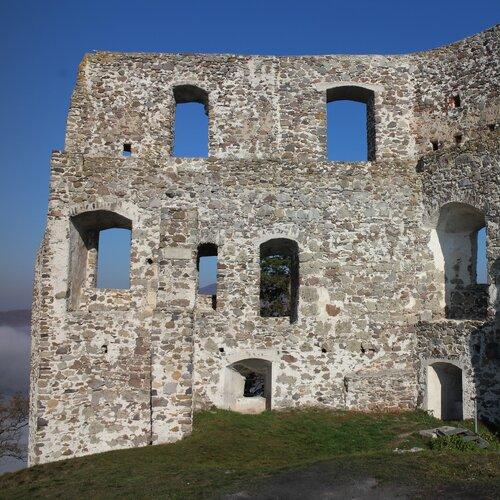 Zrúcanina hradu Dobrá Niva