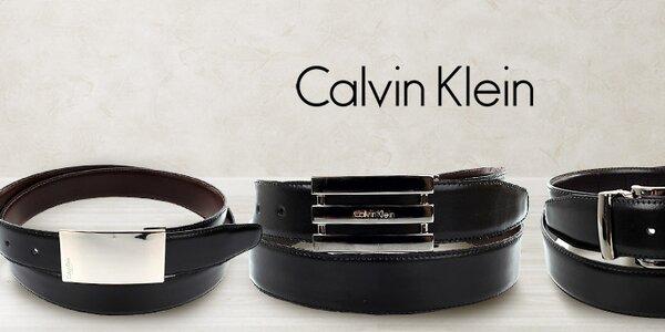 Nadčasovo elegantné pánske opasky Calvin Klein