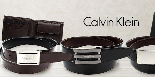 Jednoducho štýlové pánske peňaženky a opasky Calvin Klein