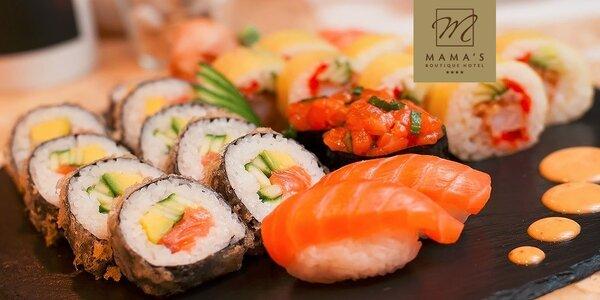 Sushi set s krevetou a lososom v Mama's Panasion restaurant