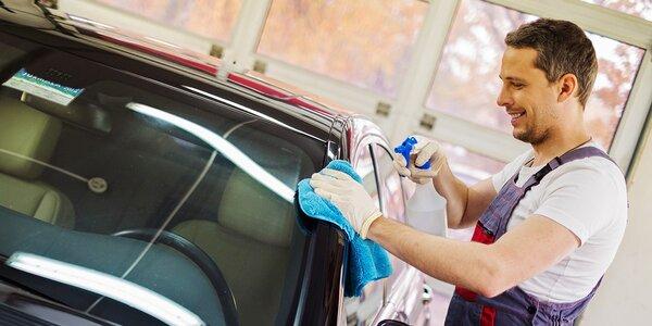 Kompletné ručné umytie interiéru a exteriéru auta alebo leštenie laku