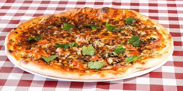 Pizza podľa vlastného výberu z 12 druhov aj s možnosťou donášky!