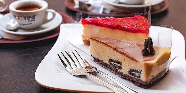 Výborný cheesecake a káva v Le Papillon Restaurant