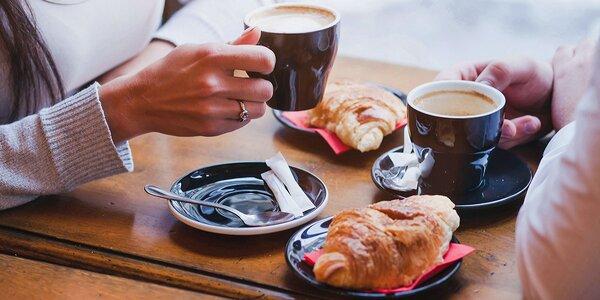 Presso Lavazza alebo Frappé s mliekom a croissant 7DAYS