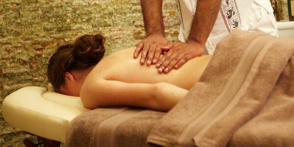 Ashwagandha ájurvédska bylinná masáž celého tela