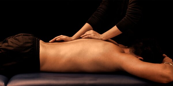 Zmyselná, uvoľňujúca TANTRA masáž celého tela teplými vonnými olejmi