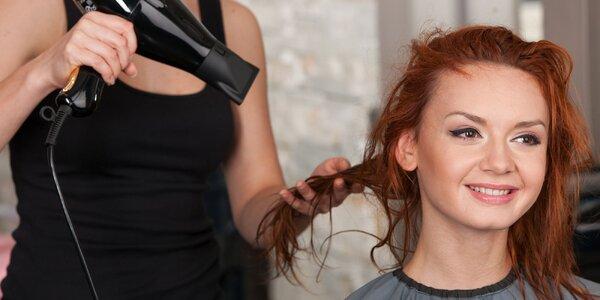 Strih alebo vlasová maska regeneračná kúra v Salóne Glam-our