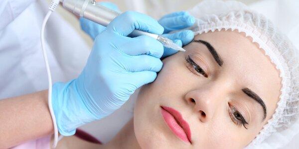 Permanentný make up pier alebo očných liniek