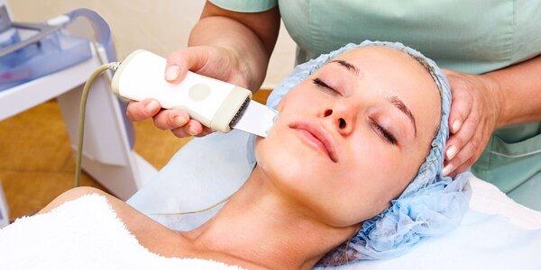 Prístrojové čistenie a ošetrenie pleti ultrazvukovou Aqua abráziou