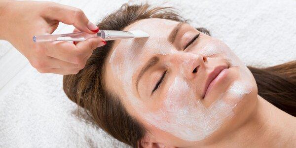 Omladzujúce ošetrenie s obnovujúcou maskou s obsahom AHA kyselín