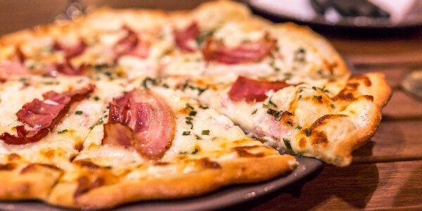 Pizza z pravej pece