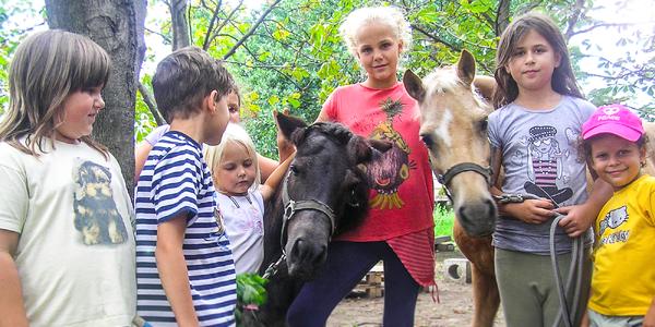 Víkendový denný detský tábor na konskej farme