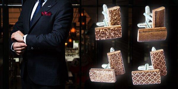 Originálne drevené manžetové gombíky
