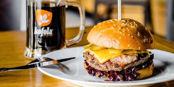 Hovädzí KLASIK burger + pivo alebo Kofola
