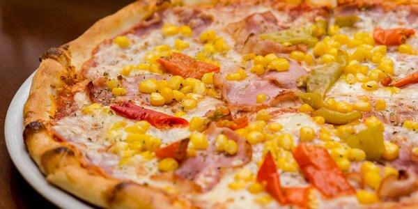 Pizza podľa vlastného výberu spolu s nápojom