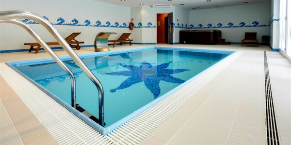 Vstup do bazéna s wellness v penzióne Kunerád