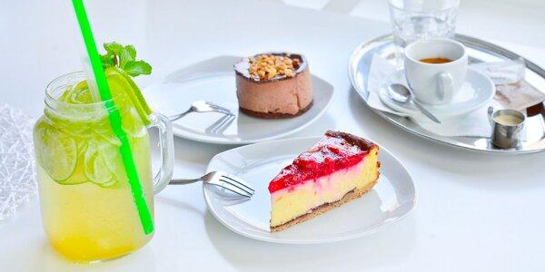 Výborné domáce koláče s kávou alebo limonádou