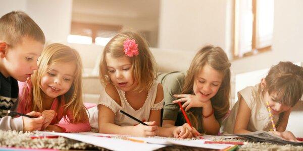 Stiahnite deťom prázdninové maľovánky a hlavolamy