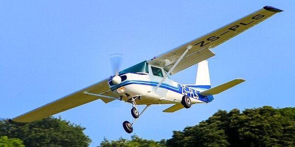Let športovým lietadlom,pilotovanie na skúšku