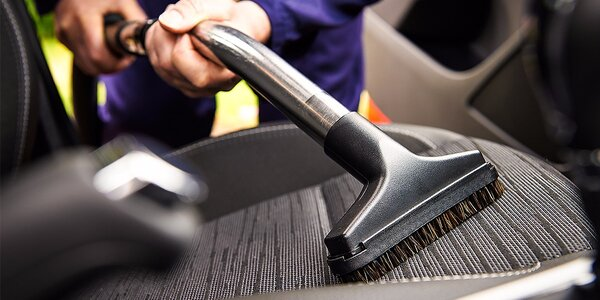Kompletné čistenie interiéru s tepovaním sedadiel vozidla parou a dezinfekciou…