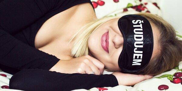 Saténová maska na spanie pre každého študenta