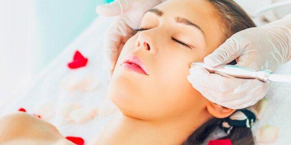 Hĺbkové ošetrenie a ozdravenie pleti ultrazvukom a ozónom alebo diamantová…