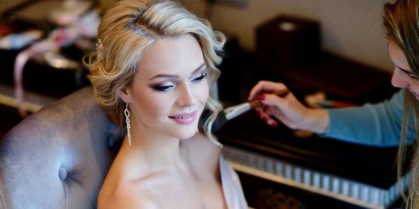 Profesionálny slávnostný make-up aj s účesom