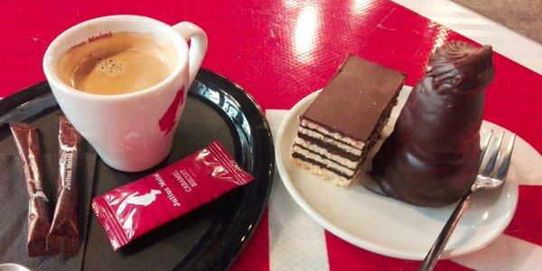 Káva a koláč podľa vlastného výberu