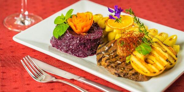 Marinovaný jelení steak v reštaurácii Pracháreň