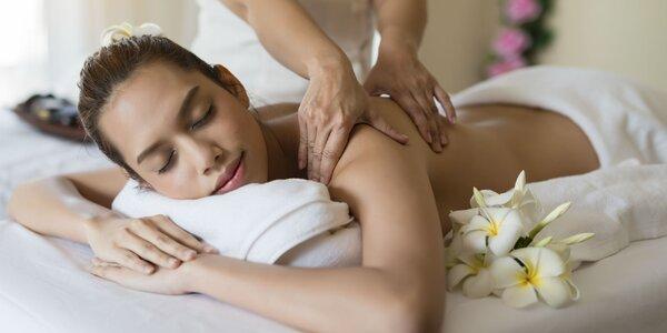 Reflexná či klasická masáž chrbta