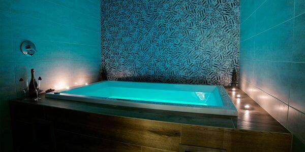 Vstup do sáun alebo privátny vírivý kúpeľ