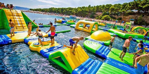Vodné skákadlá: trampolíny, preliezačky aj naskakovací airbag
