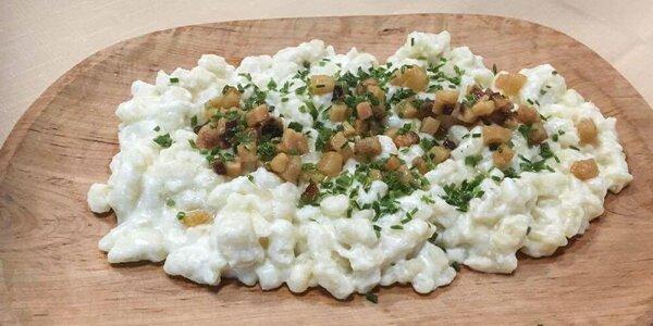 Bryndzové halušky, plnené pirohy alebo gazdovský tanier