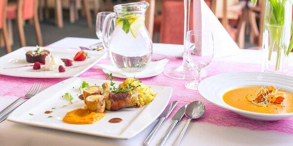 Gurmánske 3-chodové menu: batátový krém, mini kuriatko a tortička