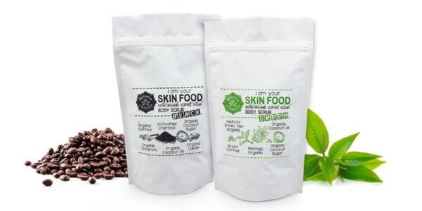 Čierny alebo zelený kávový peeling