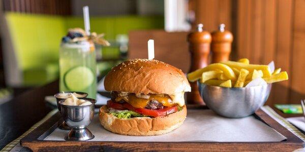 Kentucky burger s hranolčekmi a limonádou v OC Optima